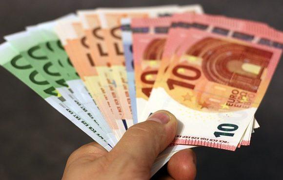 CREEX critica que las empresas 'paguen el pato' de la incertidumbre política nacional y pide a la Junta que se cumpla con el plazo del pago a proveedores
