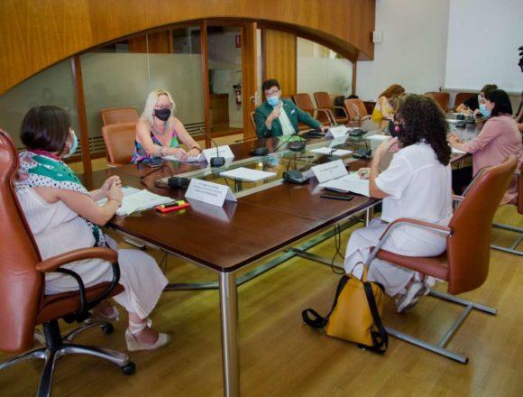 Constituida la Mesa sobre Igualdad de Género, de la que forma parte la CREEX