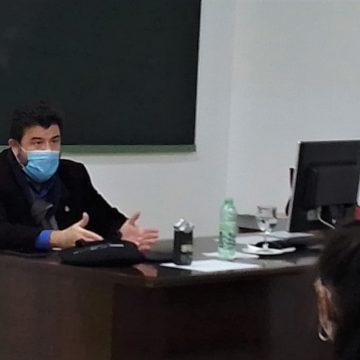 Javier Peinado comparte una jornada práctica con alumnos de Periodismo de la UEX