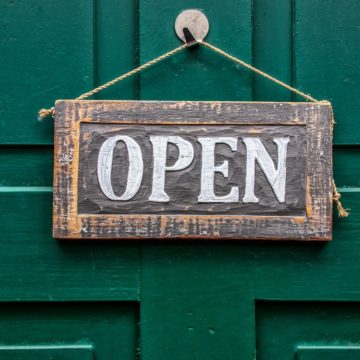 CREEX reclama una ampliación del horario para el comercio y que se planifique la reapertura de la hostelería