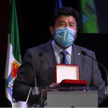 """Javier Peinado: """"la Medalla de Oro de la Diputación de Badajoz es un reconocimiento al esfuerzo de todo el empresariado extremeño en este año tan difícil"""""""