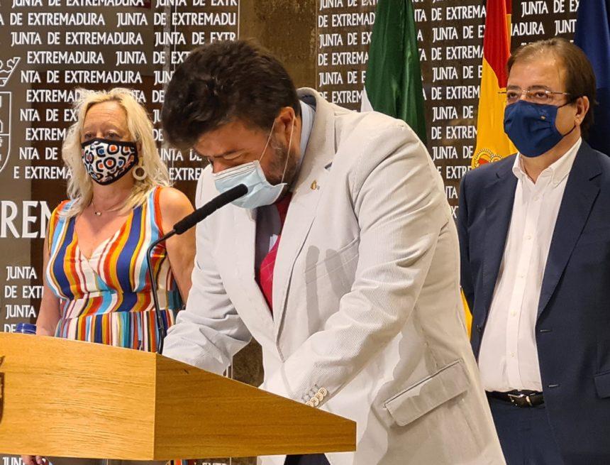 CREEX firma con Junta y sindicatos el Pacto del Transporte Sanitario Terrestre